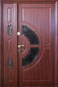 Входная дверь М246 вид снаружи