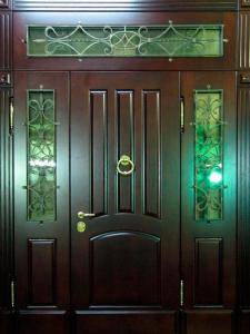 Входная дверь М164 вид снаружи