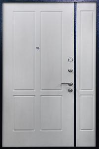 Входная дверь ТР186 в загородный дом вид внутри