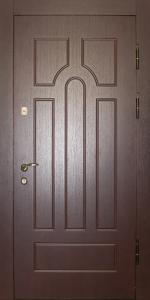 Входная дверь ТР70 вид снаружи
