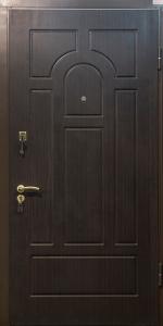 Входная дверь ТР72 вид снаружи