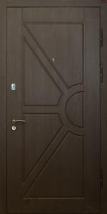 Бронированная дверь Б66 вид снаружи