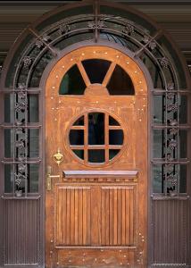 Входная дверь М269 вид снаружи