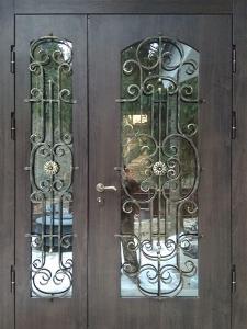 Входная дверь М274 вид снаружи