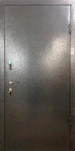 Тамбурная дверь Т40 вид снаружи