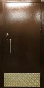 Входная дверь КВ242 вид снаружи