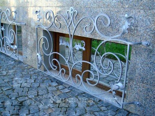 Кованая решетка №113 — фото